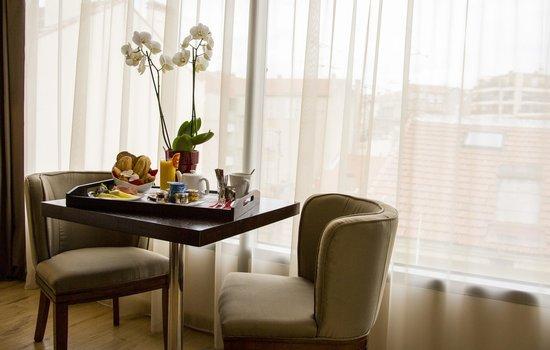 Montaigne Hotel & Spa: Petit-déjeuner en chambre