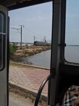 Ramada Liberty Resort Hotel: train 20min walk from hotel
