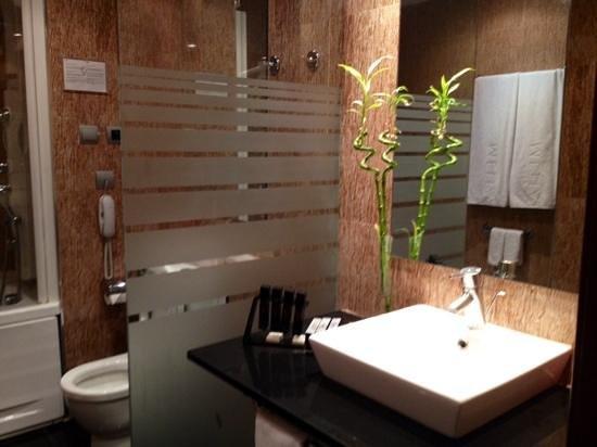 Melia Alicante: Bathroom