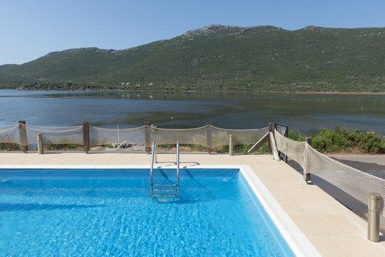Porto Cadena Residences : Πισίνα.