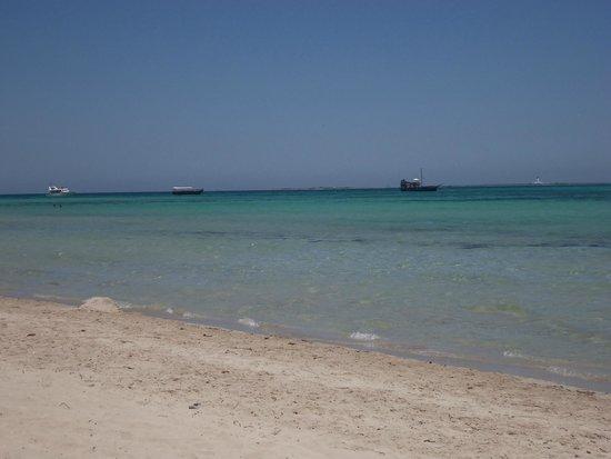 Ramada Liberty Resort Hotel: private beach trip