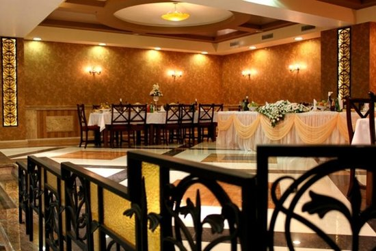 Deluxe Restaurant Yerevan Reviews Phone Number Photos Tripadvisor