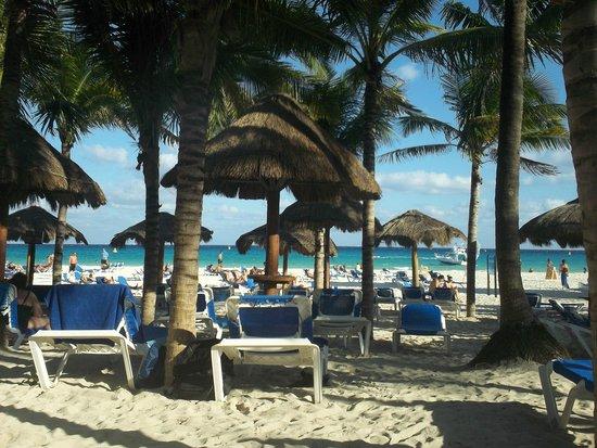Sandos Playacar Beach Resort : beach locations