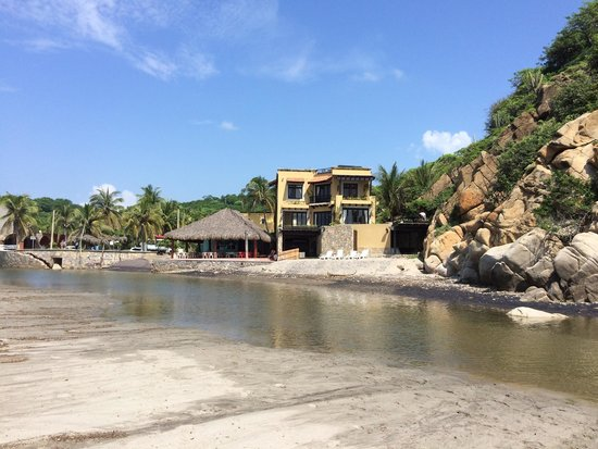 Secrets Huatulco Resort & Spa: La Bocana beach