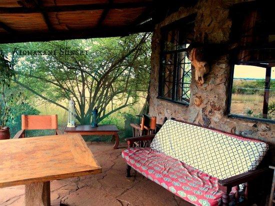 Silole Sanctuary: Outside sitting