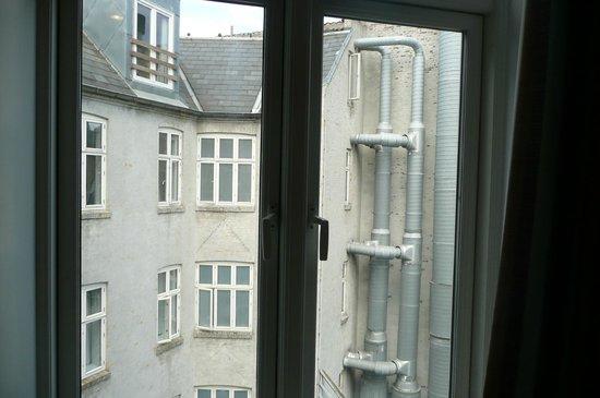 Copenhagen Star Hotel : View of back courtyard