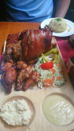 Pivnice Stupartska: Combo - Pork knuckle, ribs, chicken wings