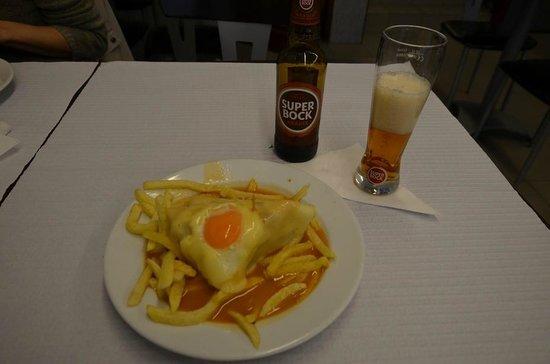 Cafe Santiago : Францезинья (половинка)
