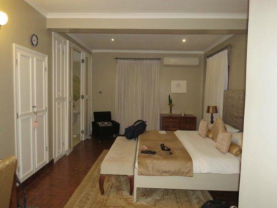 The Bay Leaf Boutique Hotel: Regency Suite Bedroom