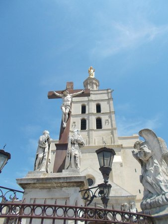Cathédrale Notre-Dame-des-Doms : Собор