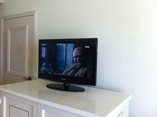 Camino Real Zaashila : Esperarías una pantalla más grande para sentirte como en tu casa.