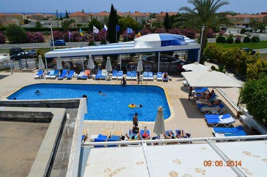 Mariandy Hotel: Море, солнце цветы.