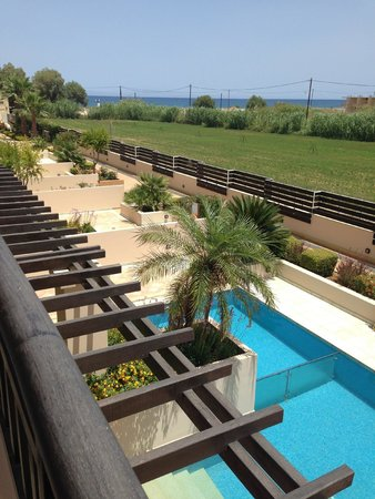 Asterion Hotel Suites and Spa: View from 2nd floor garden room