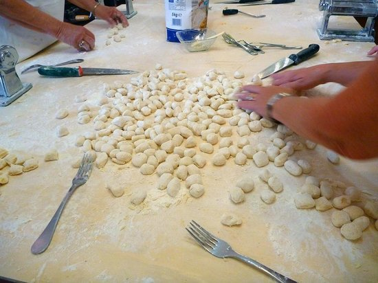 Chef Paolo Monti's Cucina Italiana Cooking School: Making gnocchi