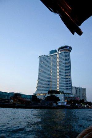 Millennium Hilton Bangkok : Hotel dal Chao Praya
