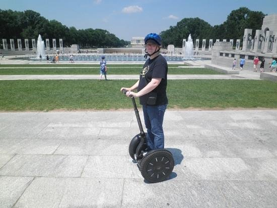 Private DC Segway Tours: WWII memorial