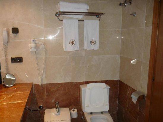 Catalonia Diagonal Centro : Banheiro