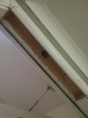 Surtees Hotel: lump of wood missing from door frame