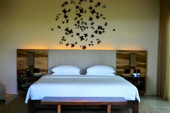 Andaz Peninsula Papagayo Resort : bedroom of large Andaz suite
