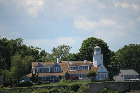 Rhode Island Bay Cruises: Poplar Point Lighthouse