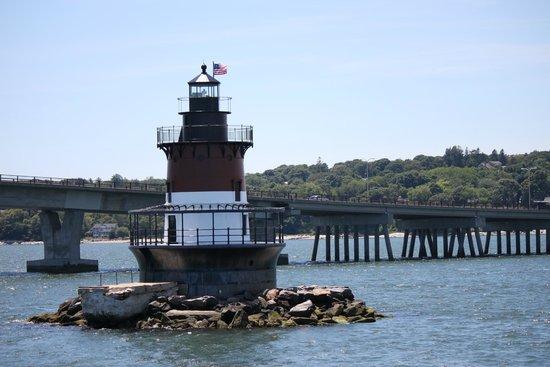 Rhode Island Bay Cruises: Plum Beach Lighthouse