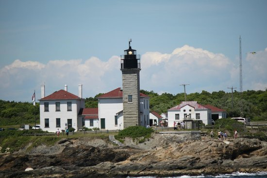 Rhode Island Bay Cruises: Beavertail Lighthouse