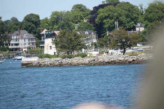 Rhode Island Bay Cruises: Goat Island Lighthouse