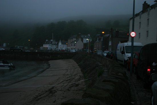 Ship Inn: Old Town evening view