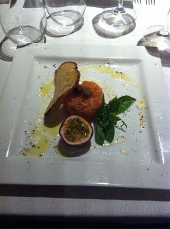 La Taverna del Farneto: tartare di salmone