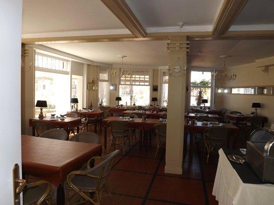 Aquilon Boutique Hotel: salle du petit dejeuner