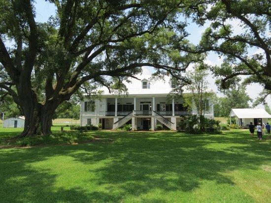 St. Joseph Plantation: The back of the house