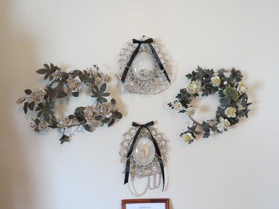 St. Joseph Plantation: Mourning wreaths