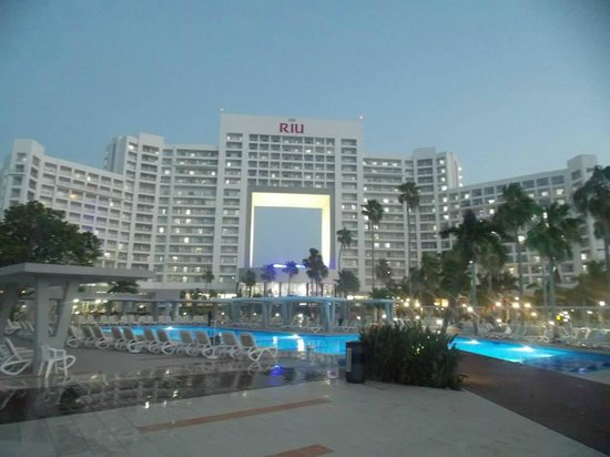 Hotel Riu Palace Peninsula: Riu at Night