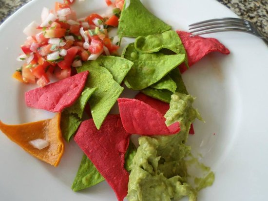 Hotel Riu Palace Peninsula: Chips, Pico, and Guacamole