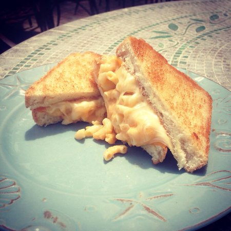 Sea Star Cafe: Stuffed Grilled cheese special