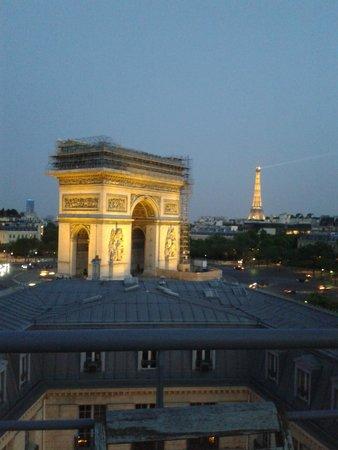 Adagio Access Paris Tilsitt Champs Elysees - ex-Citea: Vista do terraço do hotel - acesso pelo ultimo andar.