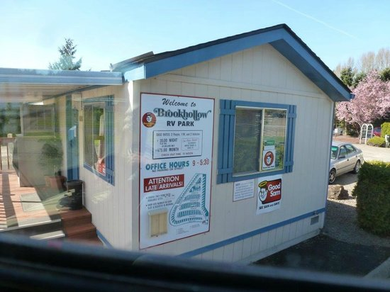 Brookhollow RV Park : Office at Entrance