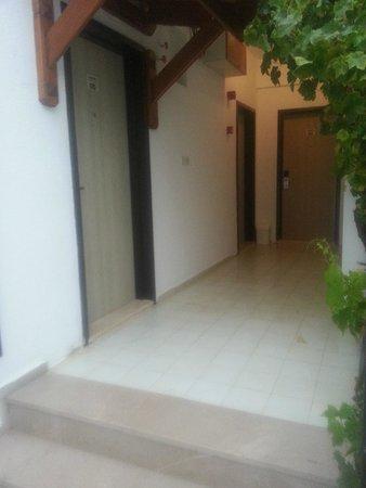 Manuela Hotel: Oda girişleri