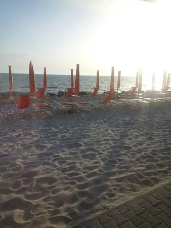 Vada, Italy: Ristorante vista mare ottimo per cenetta di pesce