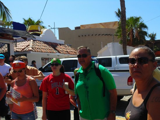 A-maze-in Cabo Race : Running around Cabo in search of next clue