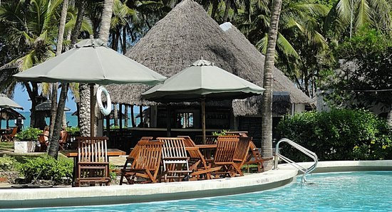 Diani Sea Lodge : pool bar