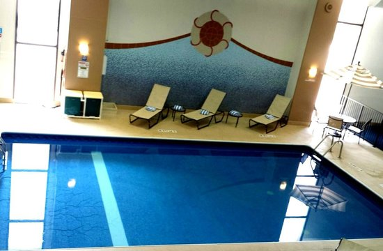DoubleTree by Hilton Hotel Downtown Wilmington - Legal District : Our view from this room showing the gorgeous pool area!