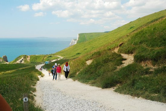 Lulworth Cove and Durdle Door : The Path from Durdle Door back to the Car Park