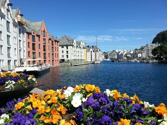 Роскошные пейзажи Норвегии - Страница 38 Alesund-ein-jugenstilmuseum