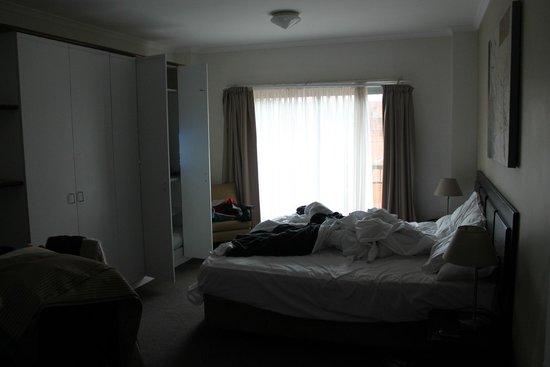 Oaks Goldsbrough Apartments: studio room