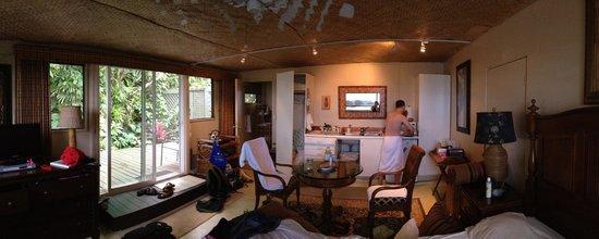 Hana Accommodations: Inside the Lanai Studio