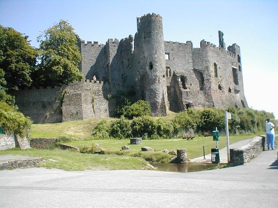 Laugharne Castle: View from the car park