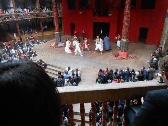 Shakespeare's Globe Theatre: Stage