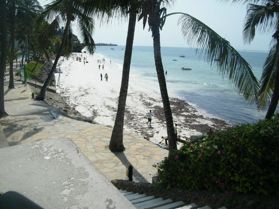 Voyager Beach Resort: beach