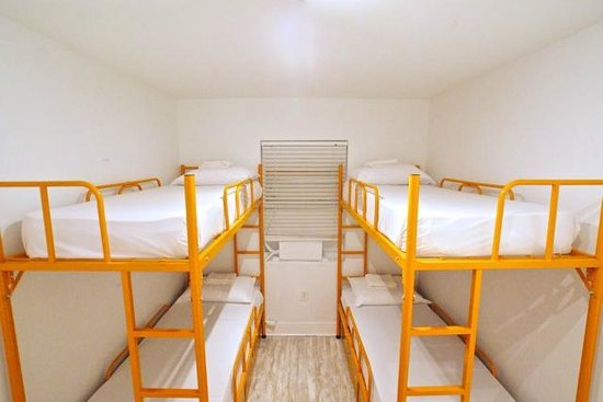 SoBe Hostel : 4 Bed Dorm